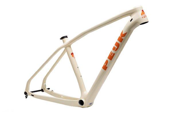 PEIJK Triticum is een veelzijdig model mountainbike en kan overal voor worden ingezet: crosscountry, marathon of de binnenlandse mountainbikeroutes.